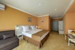 Хотел Рива